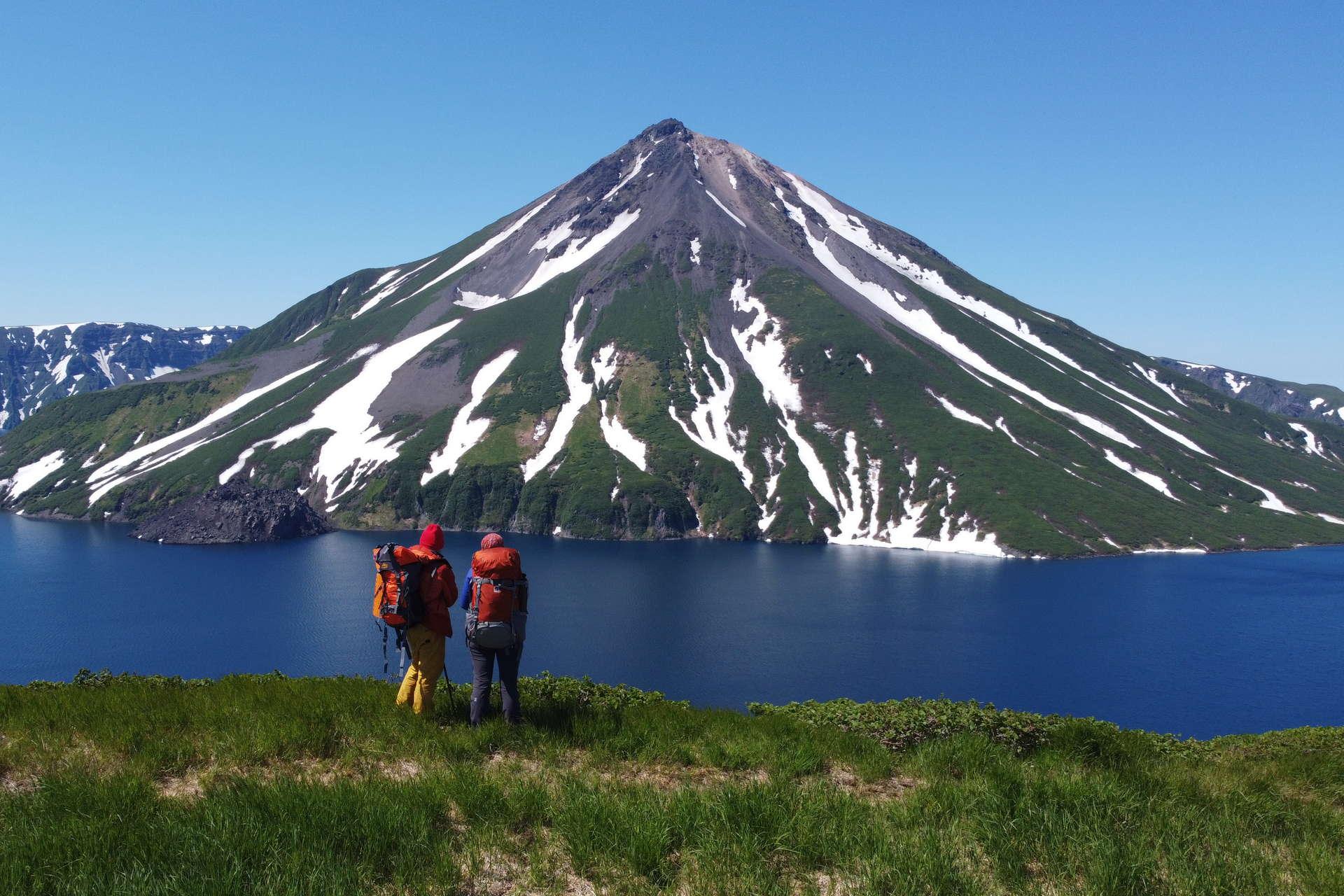 Экспедиция на Курильские острова: на яхте к неизведанным вулканам