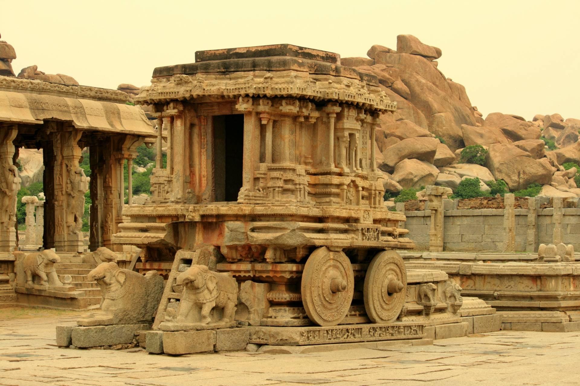 Новый год. Индия. Пляжи и древние храмы.