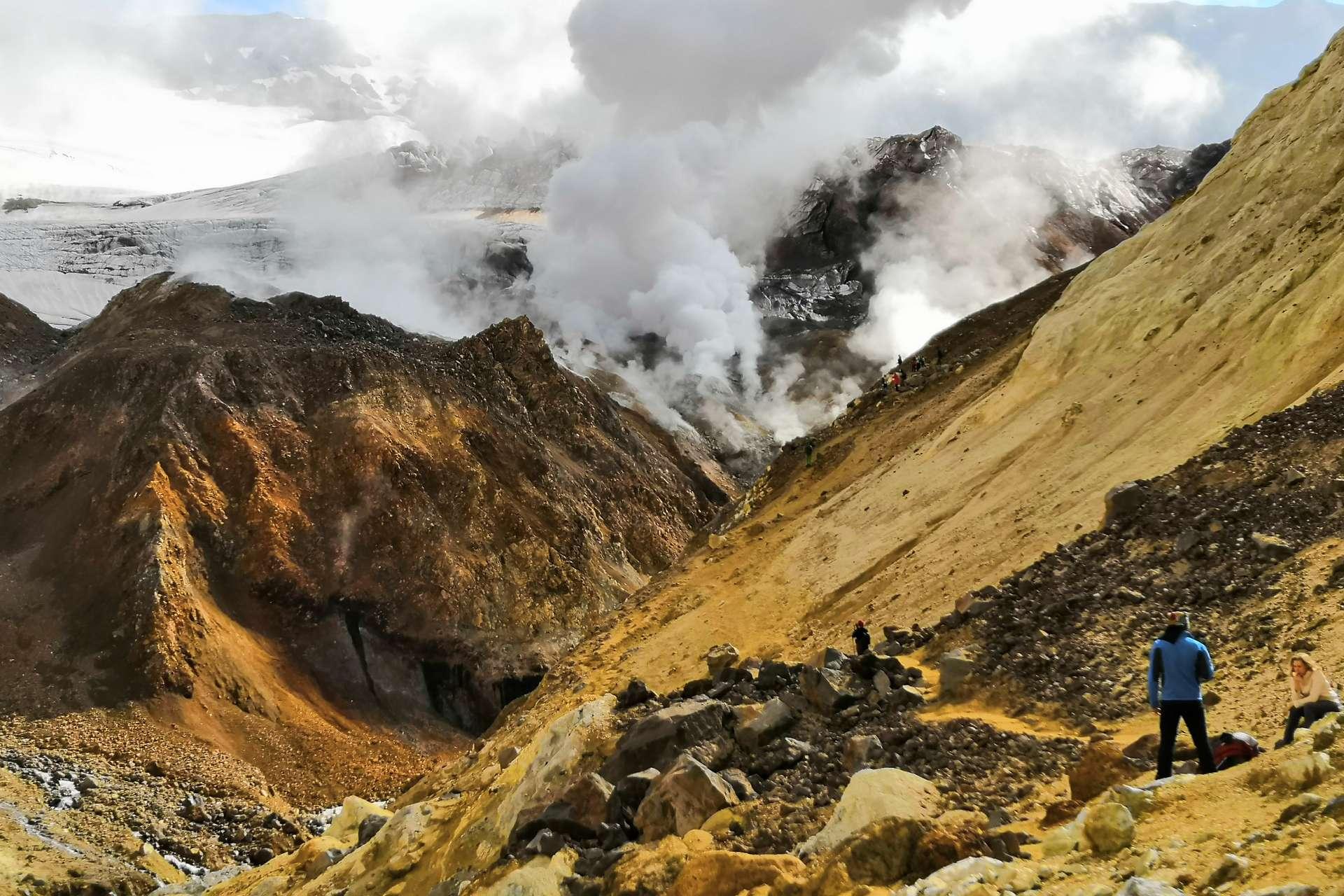 Джип-путешествие к активным вулканам Камчатки