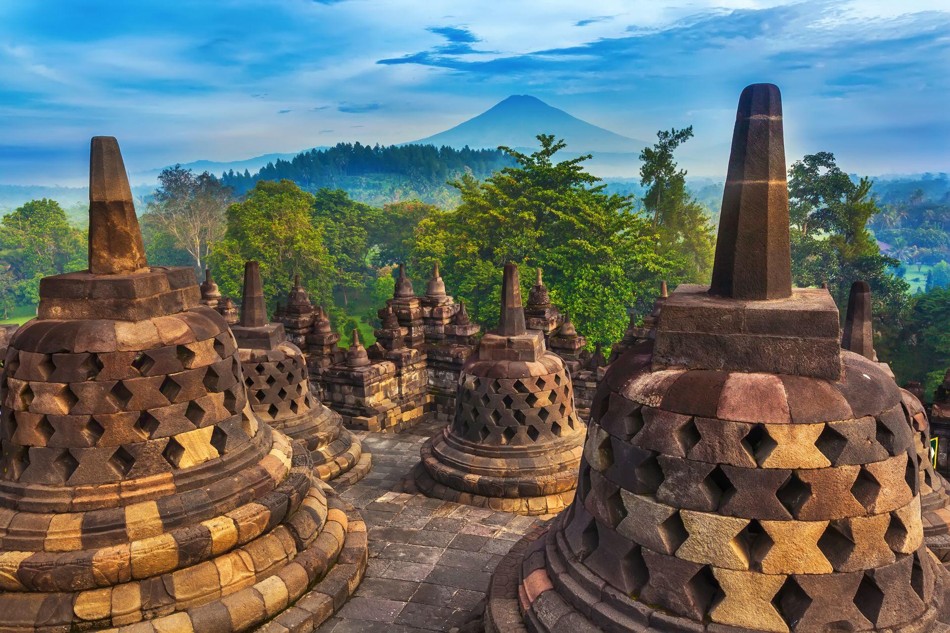 Индонезия: вулканы, острова и океаны
